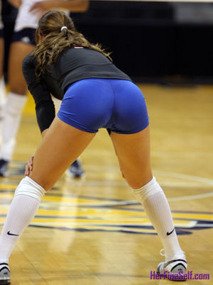 Volleyball Butts: Nice ass in blue