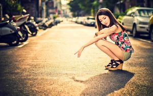 Beautiful Asian Girl In The City HD -..