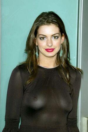 Anne Hathaway: Anne Hathaway bra