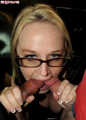 Exemplary Milf Mobi Photo! Hot babe..