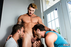 Muscular nude men having a threesome -..