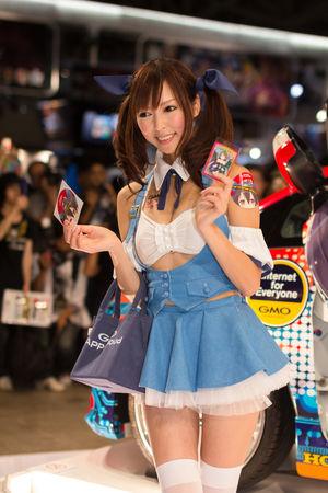 Девушки с Tokyo Game Show 2012..