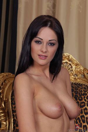 Kelly Brook Non/Semi Nude Photoshoots..
