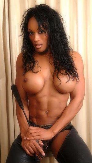 Women Bodybuilders Photos - Carnalio