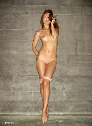 "Tall Erotic Nude Babe "" Naked.."