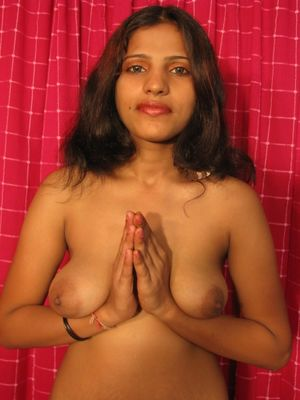 Sexy desi girl stripping out of her..