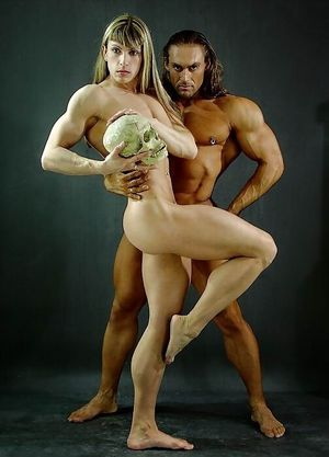 Naked bodybuilding couple in sexy..