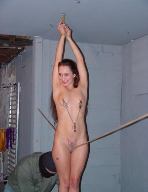 slavegirls - mostly amateur Free..
