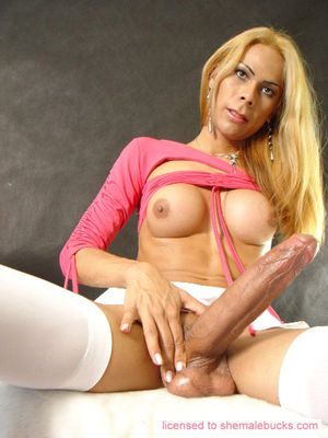 Barbara bellucci shemale in pantyhose..