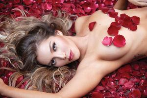 Celebrities: Frida Sofia - Hot..