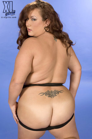 Topless Tussle - Rose Valentina (68..