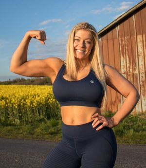 Fit girls with hot bodies - leenks