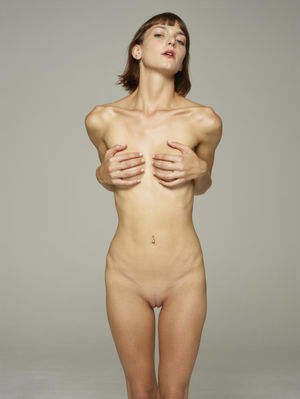 Flora Is Back Coolios Erotic Babes..