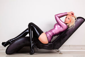 Susan Wayland - Latex Romance Blonde..