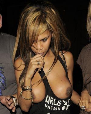 Download Sex Pics British Celeb Nipple..