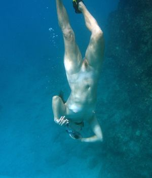Nude girl scuba pic - Other - Adult..