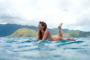 Nude Share -nsfw - Coco Ho surfing nude