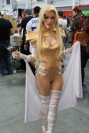 Nude Share -cameltoe - Phoenix Emma..