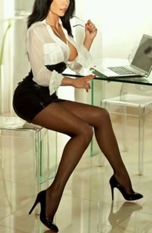 Businesswoman jennifer getting banged..