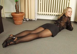 Women in pantyhose pics and - Babes