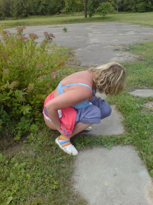Peeing out her ass - Other - Photo XXX