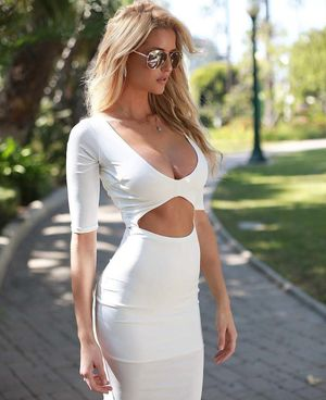 Mini Dress that Should be Illegal -..