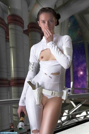 Daisy Ridley Star Trek Camel Toe Naked..