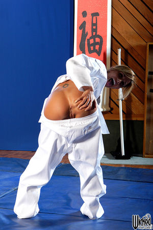Nude karate girl pic - Porn Pics &..