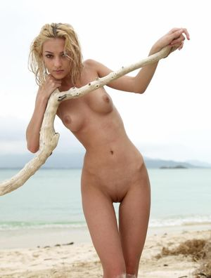 LONELY AT THE BEACH Blonde Porn Jpg