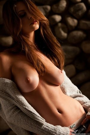 Amber Sym - Free Photo Gallery -..