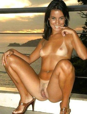 Download Sex Pics Milf Tan Lines..