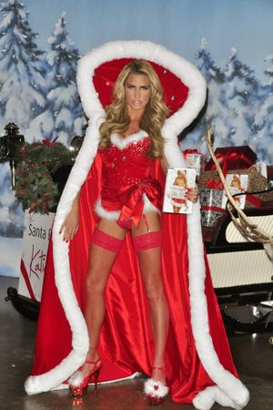 Celebs Dresses As Santa, Who Wore It..