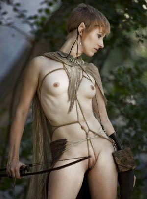 InstantFap - Short-haired elf girl
