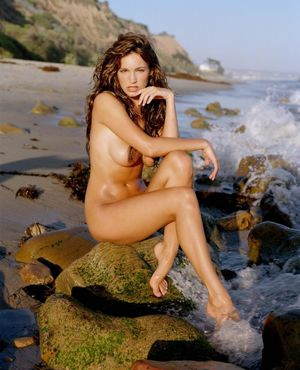 InstantFap - Kelly Brook