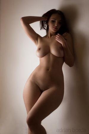 InstantFap - Her body is a wonderland