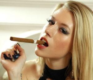 Smoking Ladies Lounge: Michelle Moist..