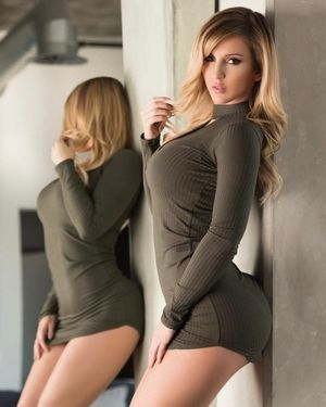 Потрясающая Amanda Paris