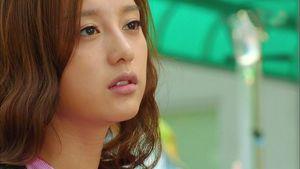 Kim Ji Won Korean Actress Picture..