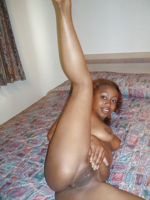 AFRICAN BABE WITH CLEAN PUSSY -..