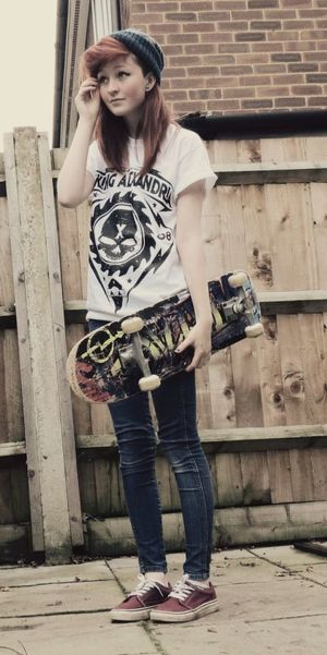Pictures of Punk Rock Girl Style..
