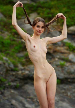 Skinny Nudes /20100723-anorexic-nudist