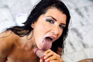 Dark haired chick Romi Rain sucks the..