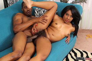 Horny black girl Qutie Quinn gets her..