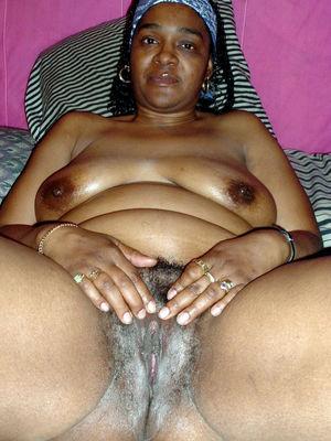 Black ebony pussy porn - Pics and..