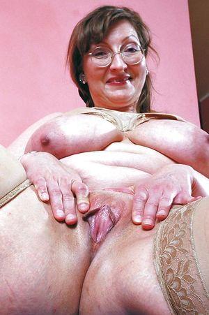 Big Tits Huge Ass Granny 2!! - Pics -..