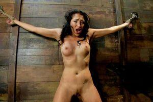 BDSM Fetish Heroine Torture Slave..