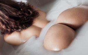 Красивые попки голых..