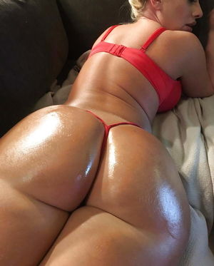 Big thick juicy booty - Pics - xHamster