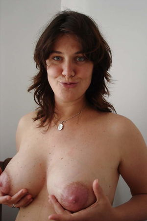 Amateur Breasts - Matures,Milfs,Sexy..