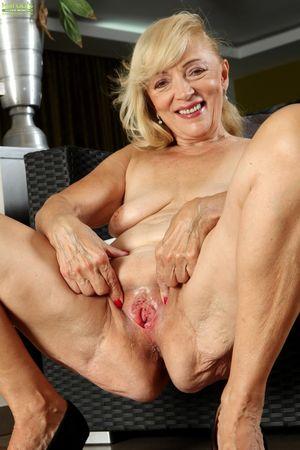 Janet Lesley - Karup's Older..